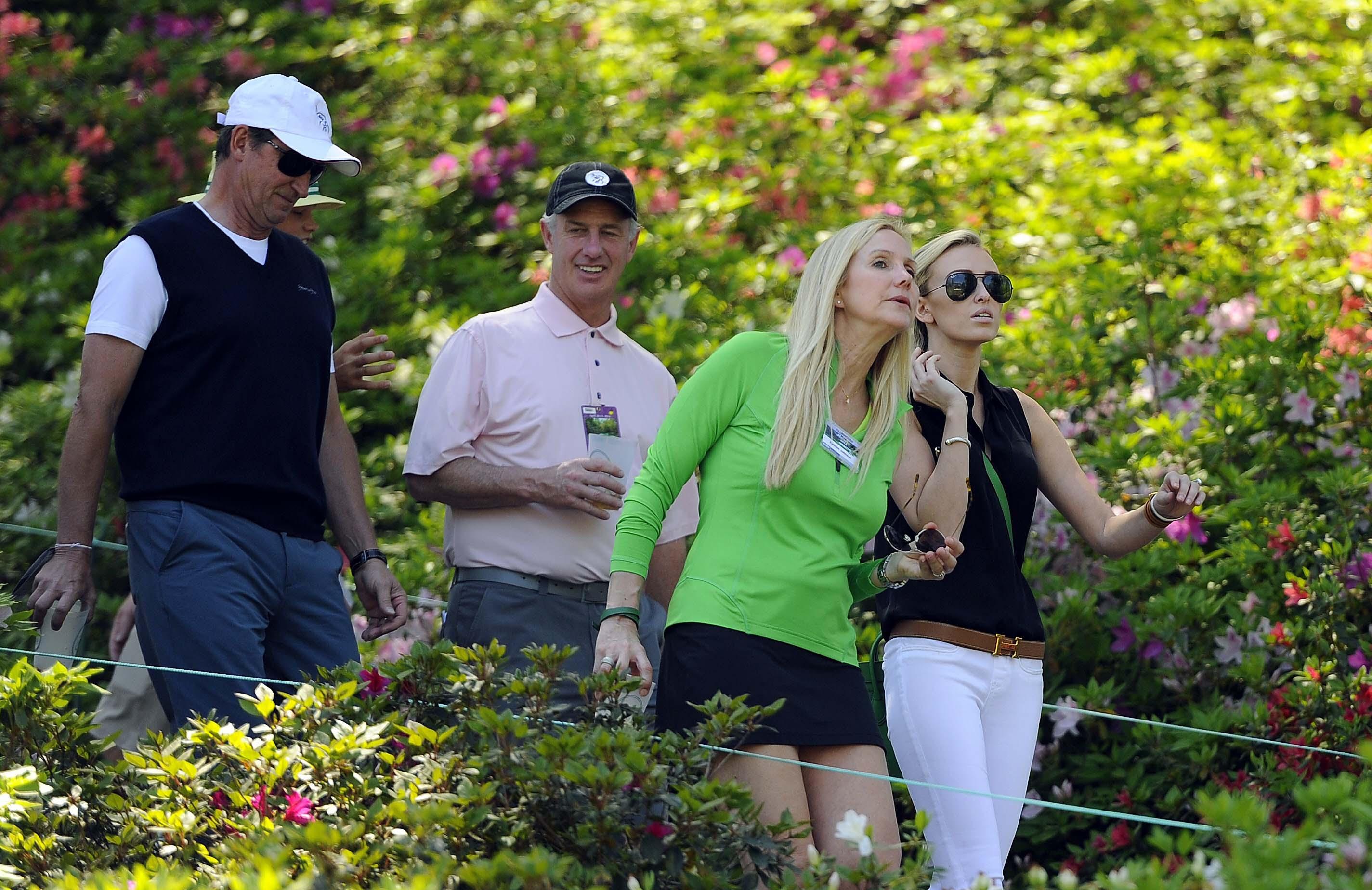 Wayne and Paulina Gretzky