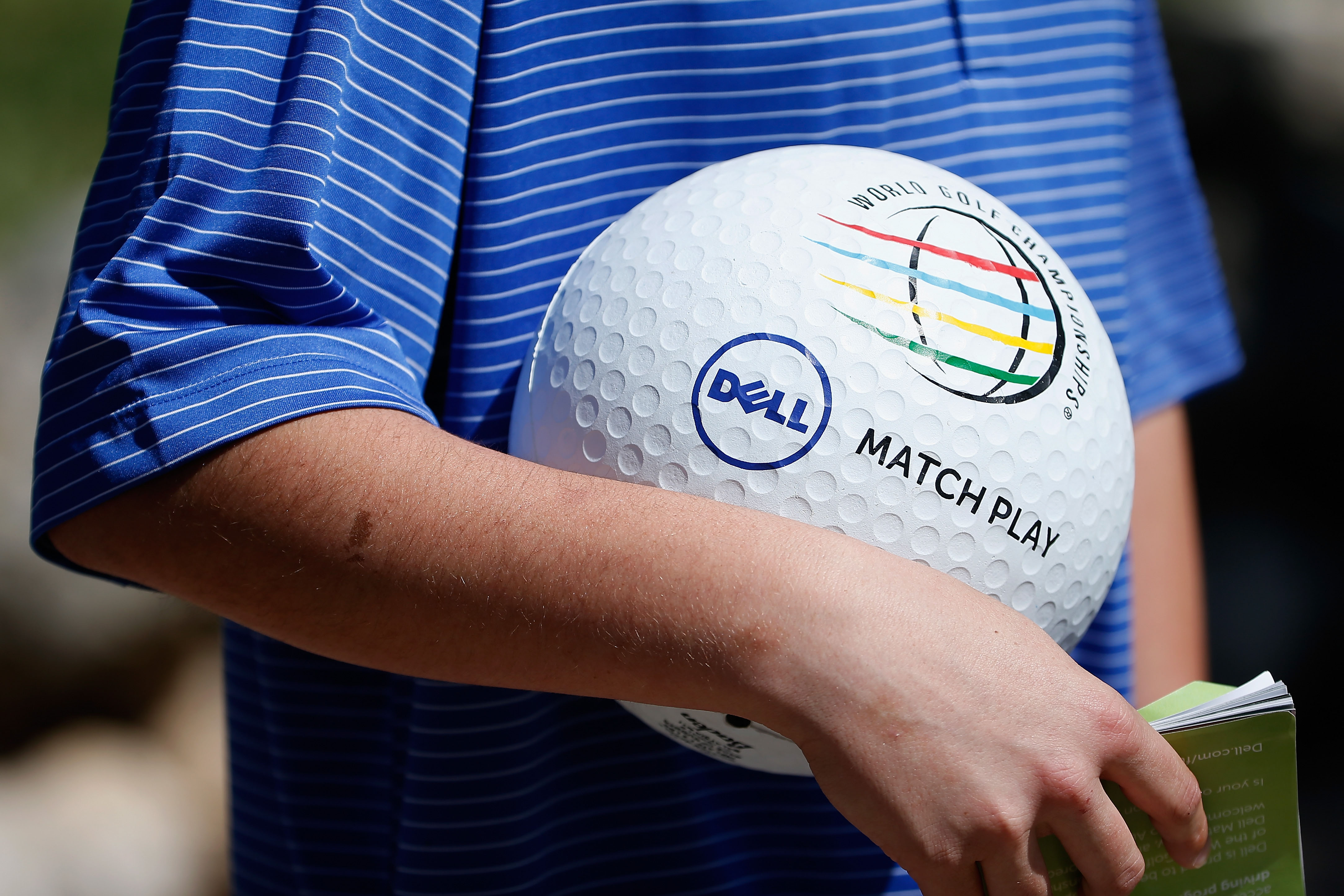 Let's see McIlroy work this ball