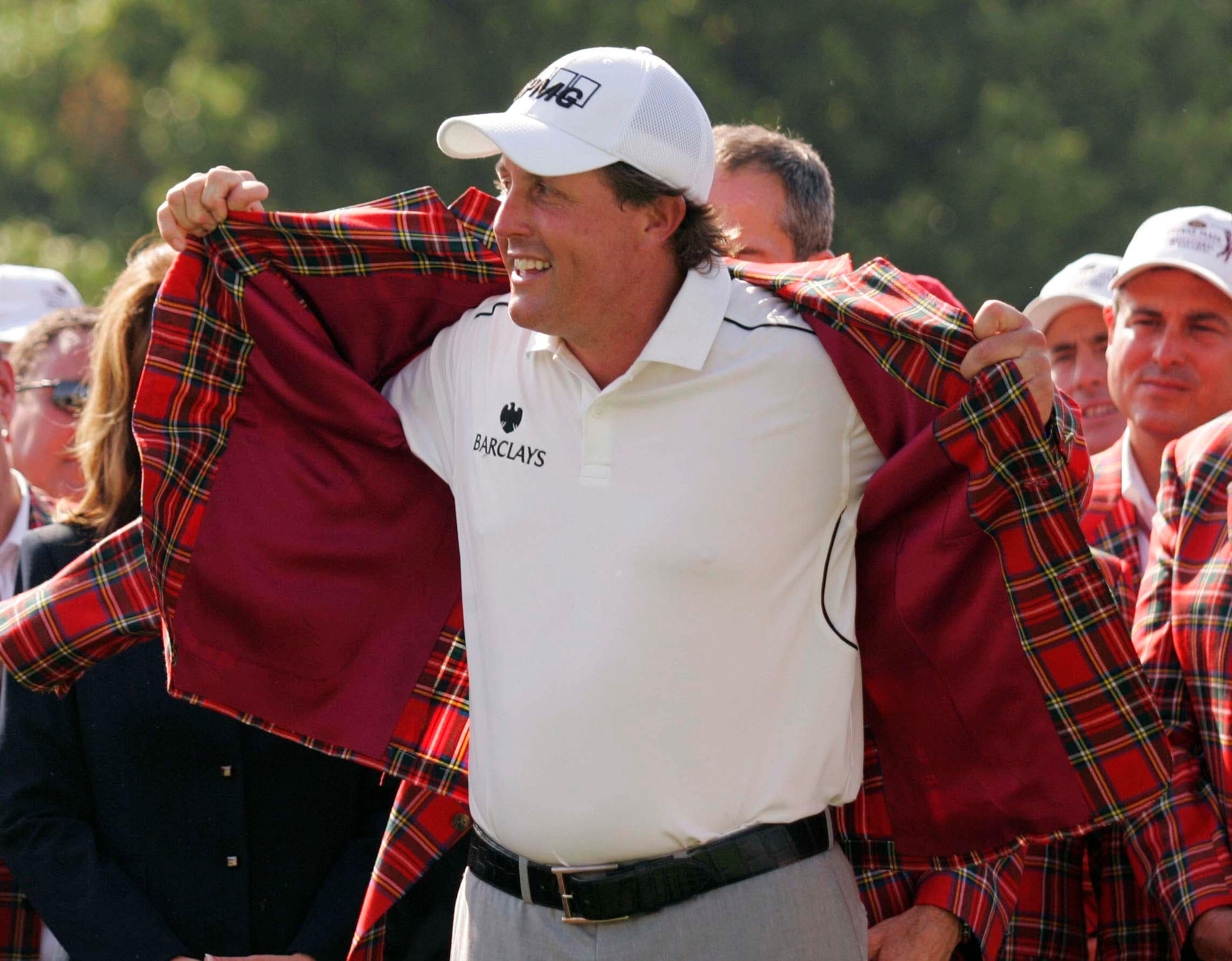 5. 2008: Mickelson's miracle shot