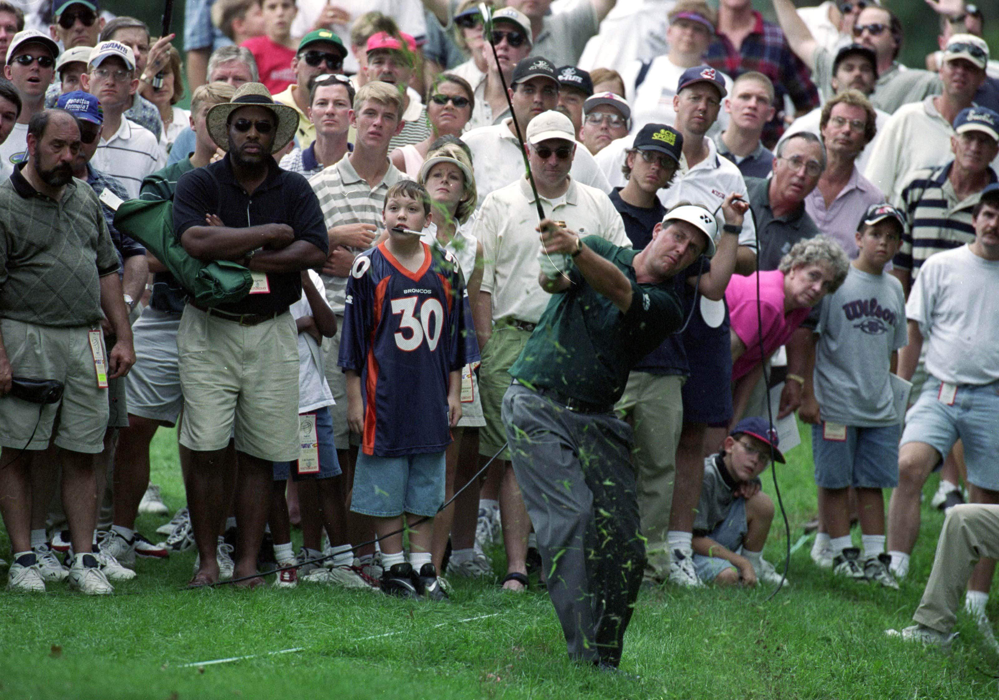 6. 1999: Phil's costly bogey