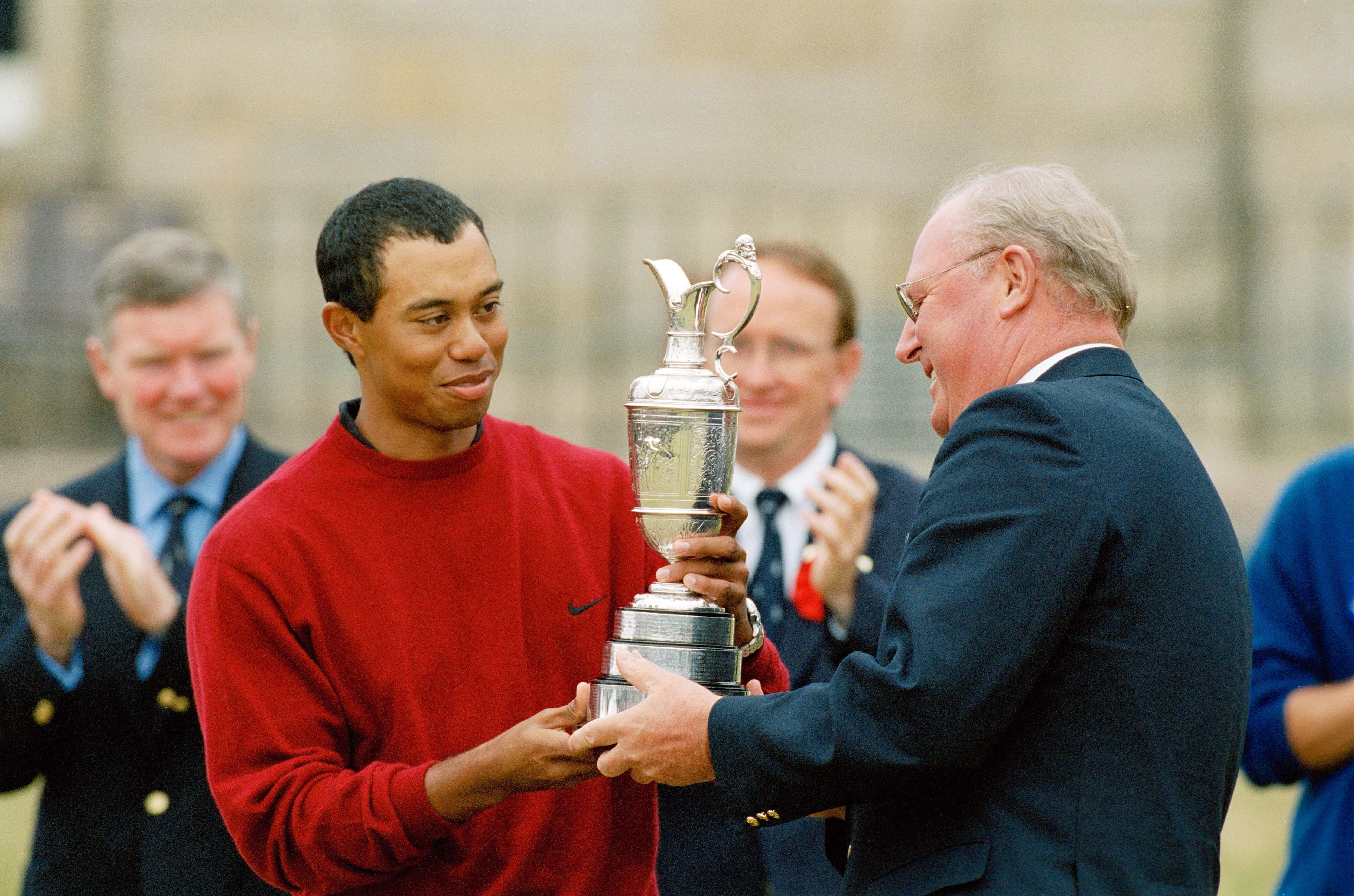 5. 2000: Tiger Slams the door