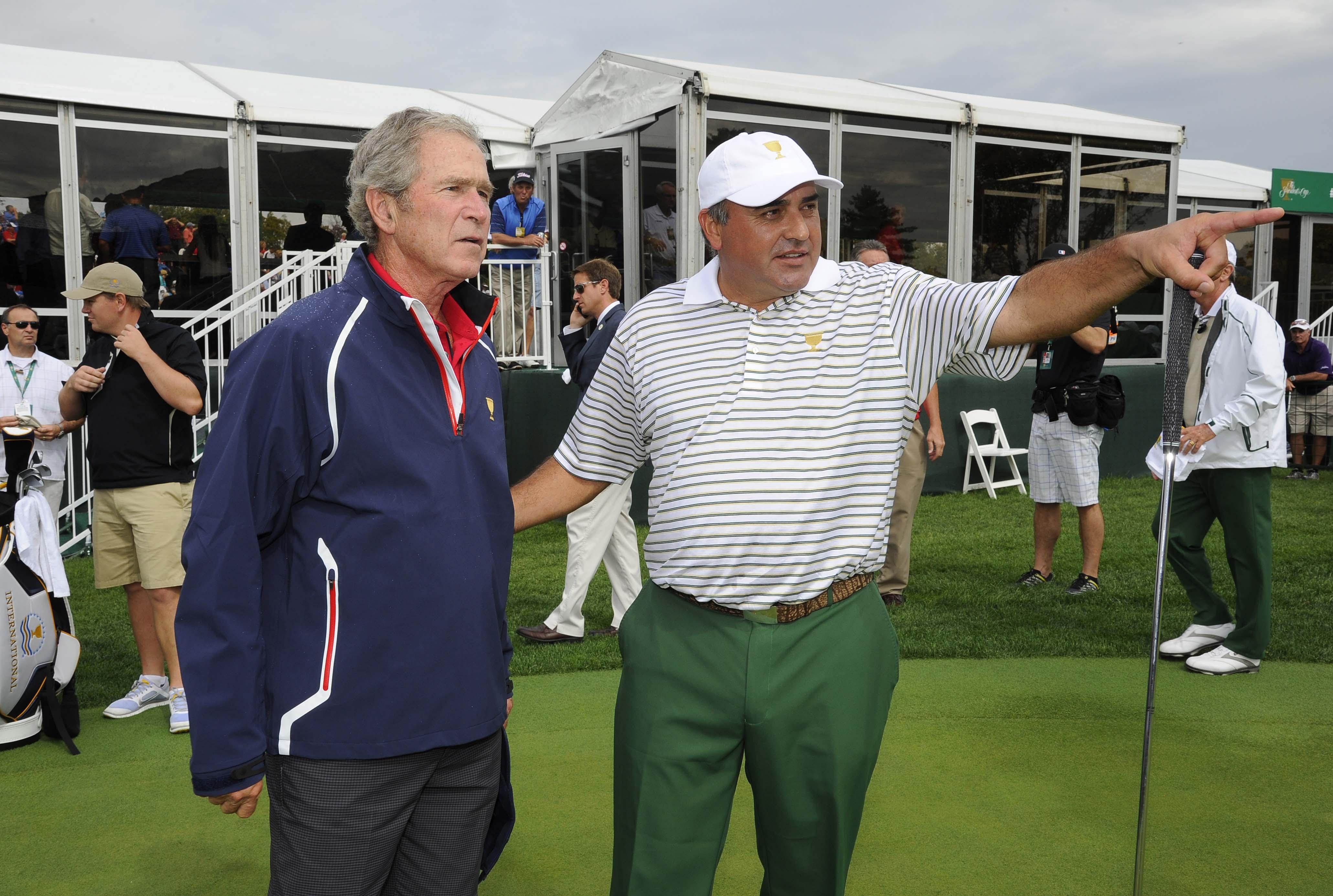 George W. Bush and Angel Cabrera