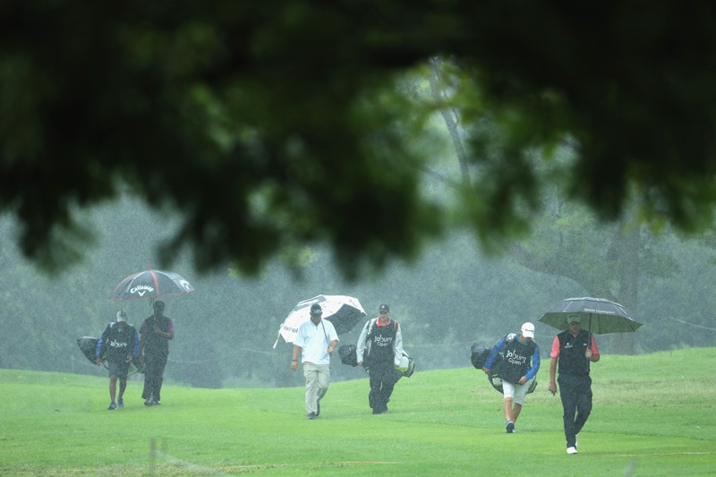 Rain falls at Joburg Open
