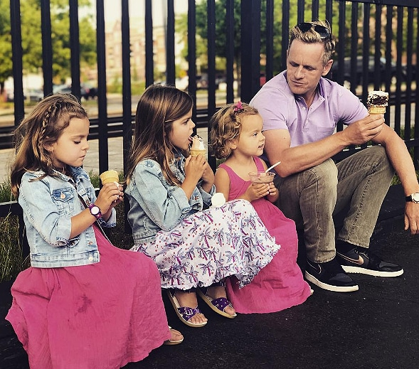 Luke Donald and his daughters