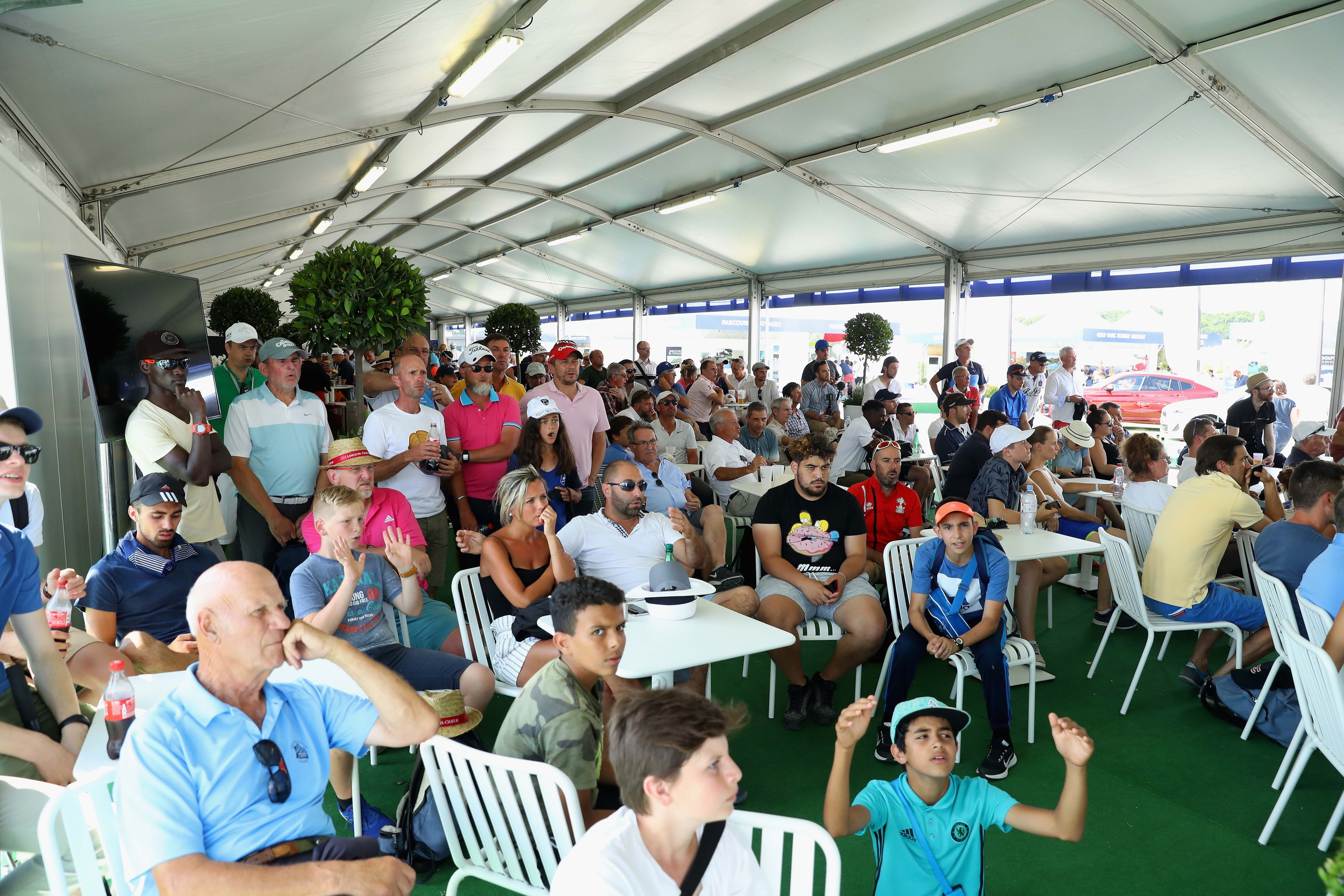 Fans at HNA Open de France
