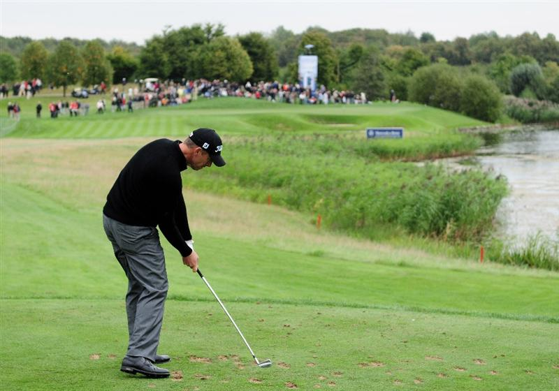 COLOGNE, GERMANY - SEPTEMBER 10:  Soren Hansen of Denmark plays his tee shot on the 16th hole during the first round of The Mercedes-Benz Championship at The Gut Larchenhof Golf Club on September 10, 2009 in Cologne, Germany.  (Photo by Stuart Franklin/Getty Images)