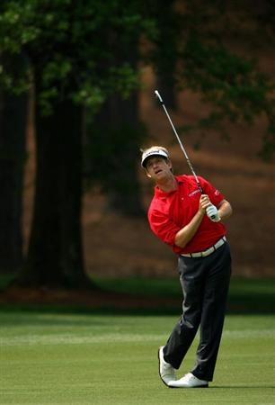 CHARLOTTE, NC - APRIL 30:  David Toms of the USA plays into the 3rd green during the first round of the Quail Hollow Championship at Quail Hollow Golf Club on April 30, 2009 in Charlotte, North Carolina.  (Photo by Richard Heathcote/Getty Images)