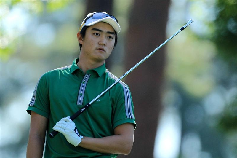 AUGUSTA, GA - APRIL 07:  Amateur Jin Jeong of Korea watches his tee shot on the fourth hole during the first round of the 2011 Masters Tournament at Augusta National Golf Club on April 7, 2011 in Augusta, Georgia.  (Photo by David Cannon/Getty Images)