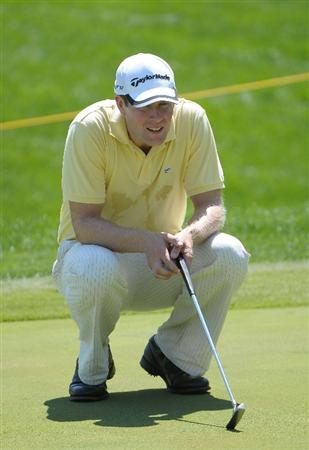 OMAHA, NE - JULY 23: Justin Bolli lines up a birdie putt on the 18th green  during the first round of the Cox Classic held at Champions Run on July 23, 2009 in Omaha, Nebraska. (Photo by Marc Feldman/Getty Images)