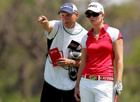 MORELIA, MEXICO - APRIL 26: With the aid of her caddy, Linda Wessberg of Sweden lines up her drive on the fourth tee during the first round of the Corona Championship April 26, 2007 at Tres Marias Club de Golf in Morelia, Michoacan, Mexico.  (Photo by Matthew Stockman/Getty Images)