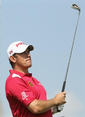 DUBAI, UNITED ARAB EMIRATES - FEBRUARY 10:  Lee Westwood of England in action during the first round for the 2011 Omega Dubai desert Classic held on the Majilis Course at the Emirates Golf Club on February 10, 2011 in Dubai, United Arab Emirates.  (Photo by Ian Walton/Getty Images)