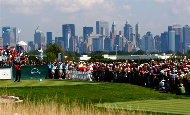 JERSEY CITY, NJ - AUGUST 30:  Tiger Woods tees off the first hole during the final round of The Barclays on August 30, 2009 at Liberty National in Jersey City, New Jersey.  (Photo by Kevin C. Cox/Getty Images)