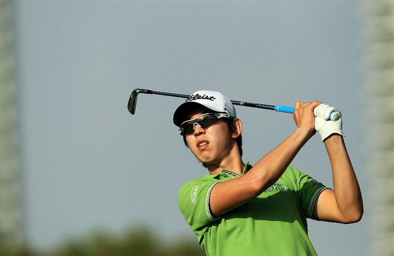 DUBAI, UNITED ARAB EMIRATES - FEBRUARY 10:  Seung-yul Noh of South Korea plays his tee shot to the 15th hole during the first round of the 2011 Omega Dubai Desert Classic on the Majilis Course at the Emirates Golf Club on February 10, 2011 in Dubai, United Arab Emirates.  (Photo by David Cannon/Getty Images)