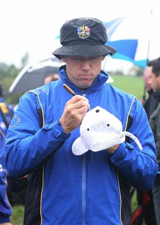 NEWPORT, WALES - SEPTEMBER 29:  Lee Westwood  of Europe signs autographs during a practice round prior to the 2010 Ryder Cup at the Celtic Manor Resort on September 29, 2010 in Newport, Wales.  (Photo by Andy Lyons/Getty Images)