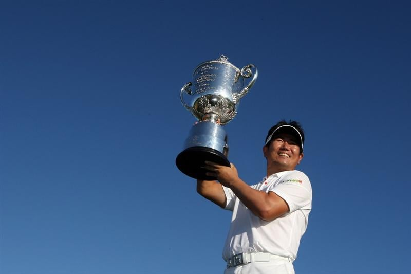 CHASKA, MN - AUGUST 16:  Y.E. Yang of South Korea poses with the Wanamaker Trophy after his three-stroke victory at the 91st PGA Championship at Hazeltine National Golf Club on August 16, 2009 in Chaska, Minnesota.  (Photo by Streeter Lecka/Getty Images)