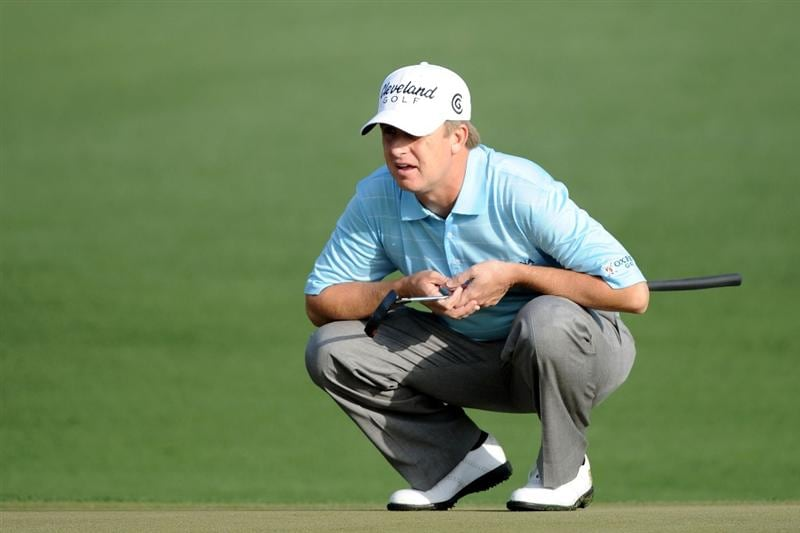 AUGUSTA, GA - APRIL 08:  David Toms lines up a putt on the second green during the first round of the 2010 Masters Tournament at Augusta National Golf Club on April 8, 2010 in Augusta, Georgia.  (Photo by Harry How/Getty Images)