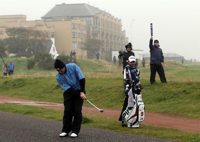 ST ANDREWS, SCOTLAND - OCTOBER 08:  Lee Westwood of England chips off the road on the 17th hole during the second round of The Alfred Dunhill Links Championship at The Old Course on October 8, 2010 in St Andrews, Scotland.  (Photo by Ross Kinnaird/Getty Images)