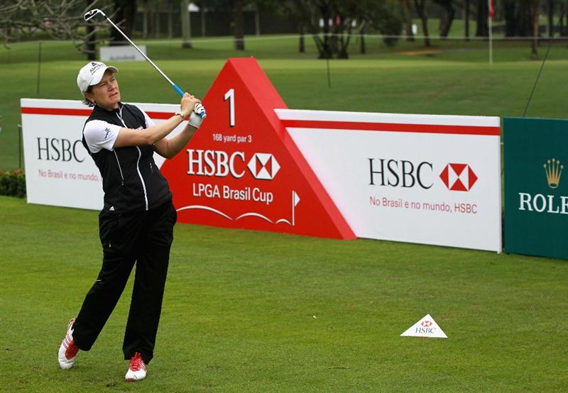 RIO DE JANEIRO, BRAZIL - MAY 28:  Catriona Matthew of Scotland watches her tee shot on the first hole during the first round of the HSBC LPGA Brazil Cup at the Itanhanga Golf Club on May 28, 2011 in Rio de Janeiro, Brazil.  (Photo by Scott Halleran/Getty Images)