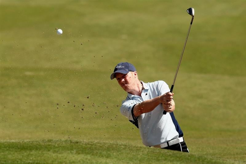 MELBOURNE, AUSTRALIA - NOVEMBER 29:  David Horsey of England plays out of the bunker on the fourteenth hole during the third round of the 2008 Australian Masters at Huntingdale Golf Club on November 29, 2008 in Melbourne, Australia  (Photo by Quinn Rooney/Getty Images)