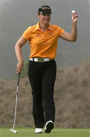 HALF MOON BAY, CA - OCTOBER 02:  Annika Sorenstam waves to the crowd after making birdie on the third  hole during the first round of the Samsung World Championship at the Half Moon Bay Golf Links Ocean Course on October 2nd, 2008 in Half Moon Bay, California.  (Photo by Jonathan Ferrey/Getty Images)