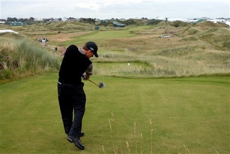 BIRKDALE, UNITED KINGDOM - JULY 14: Justin Leonard of the USA plays off the 13th tee during the first practice round of the 137th Open Championship on July 14, 2008 at Royal Birkdale Golf Course, England. (Photo by Stuart Franklin/Getty Images)