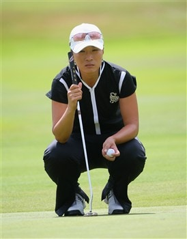 SUNNINGDALE, UNITED KINGDOM - JULY 29:  Se Ri Pak of Korea lines up a putt on the 18th hole during the Pro-Am prior to the start of the Ricoh Women's British Open at Sunningdale Golf Club on July 29, 2008 in Sunningdale, England  (Photo by Andrew Redington/Getty Images)