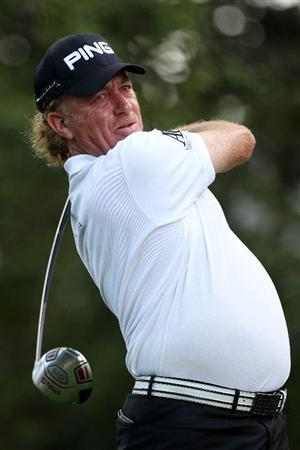 AUGUSTA, GA - APRIL 08:  Miguel Angel Jimenez of Spain hits his tee shot on the second hole during the second round of the 2011 Masters Tournament at Augusta National Golf Club on April 8, 2011 in Augusta, Georgia.  (Photo by Andrew Redington/Getty Images)