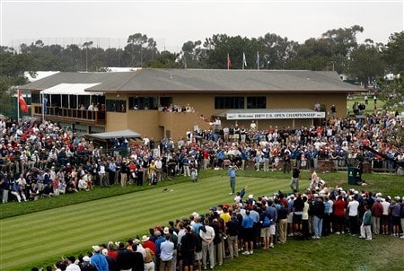 SAN DIEGO - JUNE 12:  Tiger Woods tees off the first hole to start his first round of the 108th U.S. Open at the Torrey Pines Golf Course (South Course) on June 12, 2008 in San Diego, California.  (Photo by Jeff Gross/Getty Images)