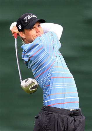 LA JOLLA, CA - FEBRUARY 06:  Nick Watney hits a tee shot on the seventh hole during the second round of the Buick Invitational at the Torrey Pines Golf Course on February 6, 2009 in La Jolla, California.  (Photo by Scott Halleran/Getty Images)