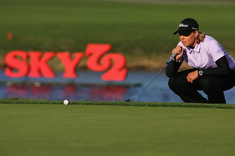 INCHEON, SOUTH KOREA - NOVEMBER 02:  Katherine Hull of Australia looks over a putt on the 18th hole during round two of the Hana Bank KOLON Championship at Sky72 Golf Club on November 2, 2008 in Incheon, South Korea.  (Photo by Chung Sung-Jun/Getty Images)