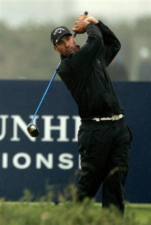 ST ANDREWS, SCOTLAND - OCTOBER 08:  Alvaro Quiros drives off the third tee during the second round of The Alfred Dunhill Links Championship at The Old Course on October 8, 2010 in St Andrews, Scotland.  (Photo by Warren Little/Getty Images)