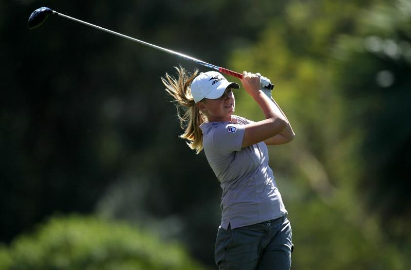 RANCHO MIRAGE, CA - APRIL 03:  Stacy Lewis hits her tee shot on the sixth hole during the final round of the Kraft Nabisco Championship at Mission Hills Country Club on April 3, 2011 in Rancho Mirage, California.  (Photo by Stephen Dunn/Getty Images)