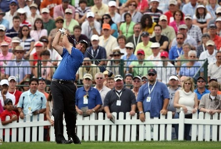 ORLANDO, FL - MARCH 16:  Phil Mickelson hits his tee shot on the 1st hole during the final round of the Arnold Palmer Invitational on March 16, 2008 at the Bay Hill Club and Lodge in Orlando, Florida.  (Photo by Andy Lyons/Getty Images)