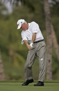 Curtis Strange in action during the first round of the 2006 Mastercard Championship  at Hualalai resort,  Kona, Hawaii. January 20,2006Photo by: Chris Condon/PGA TOUR