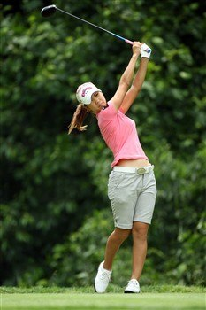 HAVRE DE GRACE, MD - JUNE 04:  Momoko Ueda of Japan hits her tee shoot on the 9th hole during practice for the 2008 McDonald's LPGA Championship held at Bulle Rock Golf Course, on June 4, 2008 in Havre de Grace, Maryland.  (Photo by David Cannon/Getty Images)