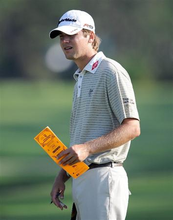 PONTE VEDRA BEACH, FL - MAY 05:  Sean O'Hair looks over a yardage book during a practice round prior to the start of THE PLAYERS on the Stadium course at the TPC Sawgrass on May 5, 2009 in Ponte Vedra Beach, Florida.  (Photo by Sam Greenwood/Getty Images)