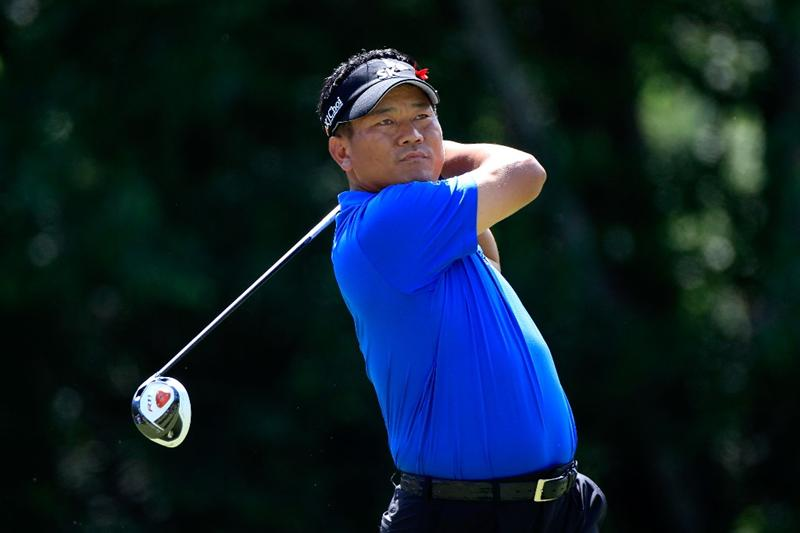 PONTE VEDRA BEACH, FL - MAY 15:  K.J. Choi of South Korea hits his tee shot on the seventh hole during the final round of THE PLAYERS Championship held at THE PLAYERS Stadium course at TPC Sawgrass on May 15, 2011 in Ponte Vedra Beach, Florida.  (Photo by Sam Greenwood/Getty Images)