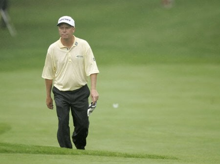 2005 US Bank Championship-Round 1: Jeff Sluman on the 18th hole during the 1st round of the  2005 US Bank Championship at Brown Deer Park in Milwaukee, Wisconsin on July 21, 2005.Photo by Mike Ehrmann/WireImage.com