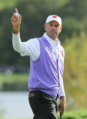 NEWPORT, WALES - OCTOBER 02:  Stewart Cink of the USA reacts after holing a putt on the 11th hole during the rescheduled Afternoon Foursome Matches during the 2010 Ryder Cup at the Celtic Manor Resort on October 2, 2010 in Newport, Wales.  (Photo by Andy Lyons/Getty Images)