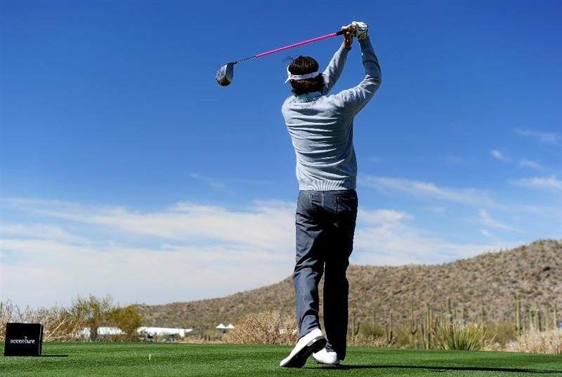 MARANA, AZ - FEBRUARY 25:  Bubba Watson hits a tee shot on the 10th hole during the third round of the Accenture Match Play Championship at the Ritz-Carlton Golf Club on February 25, 2011 in Marana, Arizona.  (Photo by Stuart Franklin/Getty Images)