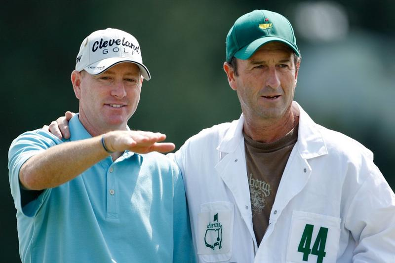 AUGUSTA, GA - APRIL 11:  Steve Flesch chats with his caddie on the 18th green during the third round of the 2009 Masters Tournament at Augusta National Golf Club on April 11, 2009 in Augusta, Georgia.  (Photo by Jamie Squire/Getty Images)