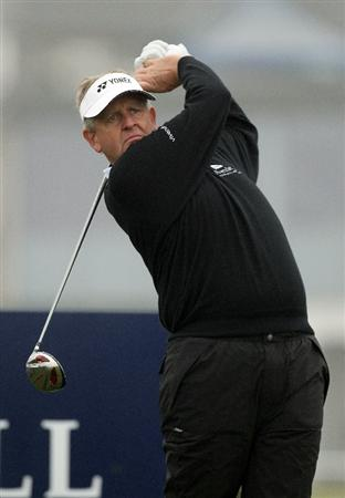 ST ANDREWS, SCOTLAND - OCTOBER 08:  Colin Montgomerie of Scotland drives off the second tee during the second round of The Alfred Dunhill Links Championship at The Old Course on October 8, 2010 in St Andrews, Scotland.  (Photo by Ross Kinnaird/Getty Images)