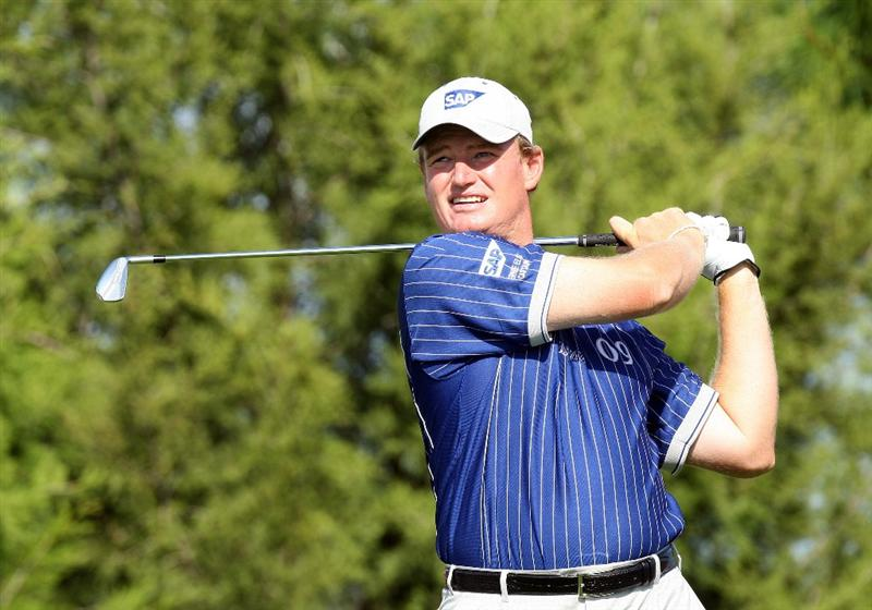 ORLANDO, FL - MARCH 16:  Ernie Els of South Africa and Lake Nona plays his tee shot at the 17th hole during the first day of the 2009 Tavistock Cup at the Lake Nona Golf and Country Club, on March 16, 2009 in Orlando, Florida  (Photo by David Cannon/Getty Images)