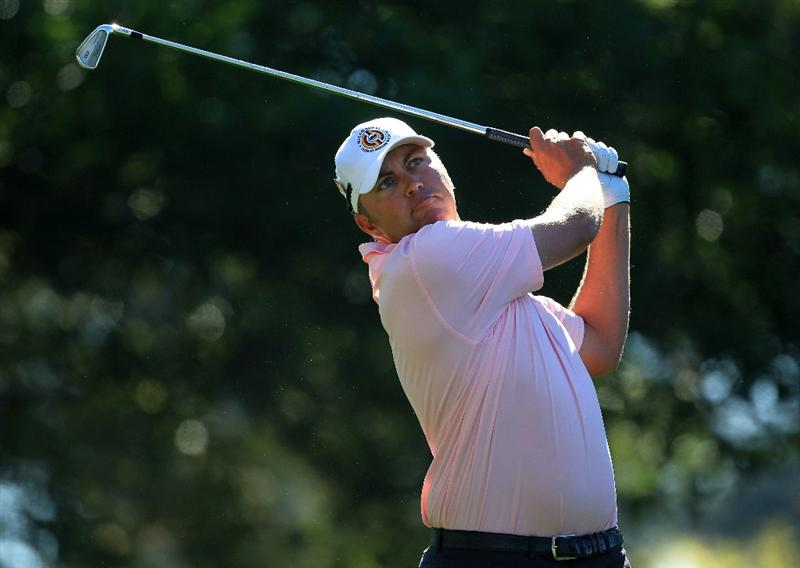 AUGUSTA, GA - APRIL 07:  Bo Van Pelt hits his tee shot on the fourth hole during the first round of the 2011 Masters Tournament at Augusta National Golf Club on April 7, 2011 in Augusta, Georgia.  (Photo by David Cannon/Getty Images)