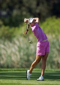 RANCHO MIRAGE, CA - APRIL 1:  Brittany Lang of the U.S. drives at the par 4, 6th hole during the final round of the 2007 Kraft Nabisco Championship held at Mission Hills Country Club Club April 1, 2007 in Rancho Mirage, California.  (Photo by David Cannon/Getty Images)