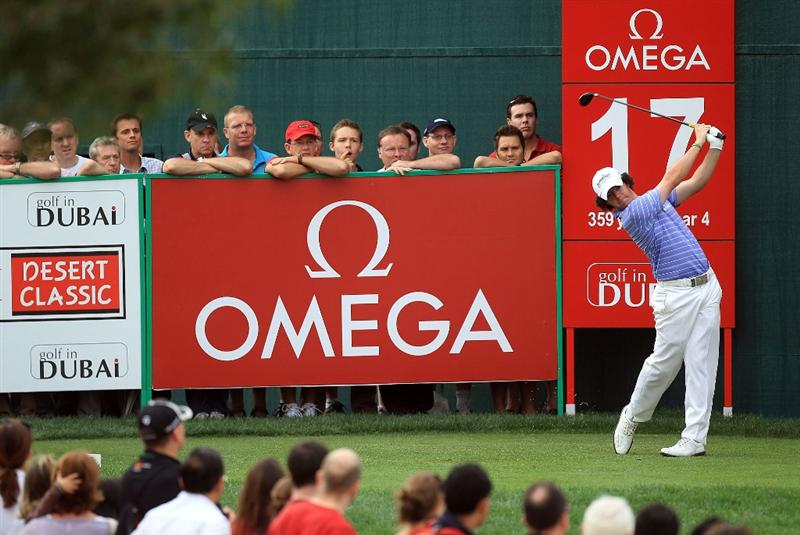 DUBAI, UNITED ARAB EMIRATES - FEBRUARY 06:  Rory McIlroy of Northern Ireland plays his tee shot at the 17th hole during the third round of the 2010 Omega Dubai Desert Classic on the Majilis Course at the Emirates Golf Club on February 6, 2010 in Dubai, United Arab Emirates.  (Photo by David Cannon/Getty Images)