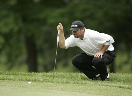 2005 US Bank Championship-Round 3: Chris Smith lines up a putt on the 12th hole during the 3rd round of the  2005 US Bank Championship at Brown Deer Park in Milwaukee, Wisconsin on July 23, 2005.Photo by Mike Ehrmann/WireImage.com