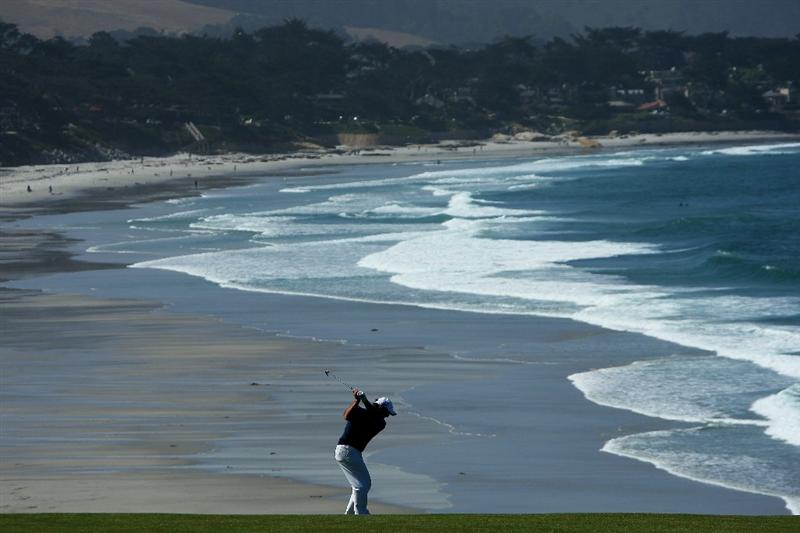 PEBBLE BEACH, CA - JUNE 17:  Francesco Molinari of Italy hits his approach shot on the ninth hole during the first round of the 110th U.S. Open at Pebble Beach Golf Links on June 17, 2010 in Pebble Beach, California.  (Photo by Donald Miralle/Getty Images)