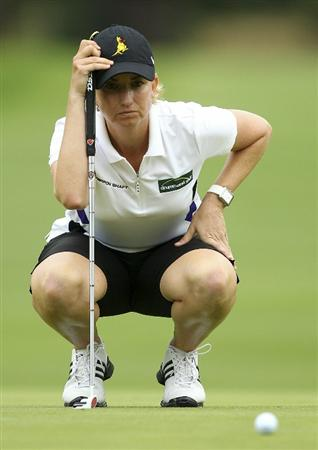 MELBOURNE, AUSTRALIA - FEBRUARY 04:  Karrie Webb of Australia lines up a putt  during day two of the Women's Australian Open at The Commonwealth Golf Club on February 4, 2011 in Melbourne, Australia.  (Photo by Lucas Dawson/Getty Images)