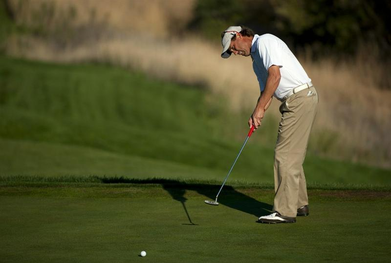 SAN MARTIN, CA - OCTOBER 15:  Stephen Ames of Canada attempts a putt during the second round of the Frys.com Open at the CordeValle Golf Club on October 15, 2010 in San Martin, California.  (Photo by Robert Laberge/Getty Images)